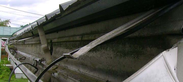 Bad Gutter that needs replacement